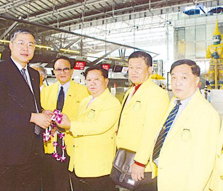 泰国中国和统会组团赴黑龙江省参访左志强参赞刘暹有副会长等前往机场为访问团送行