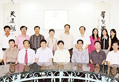 东江海鲜饮食集团支持振兴泰旅游业执行董事黎永新表示将举办系列活动促进中国游客来泰观光
