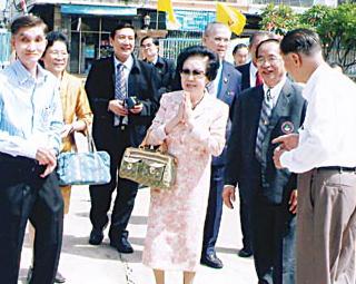 访泰国东部七所学校随感(二)