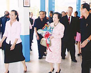访泰国东部七所学校随感(三)