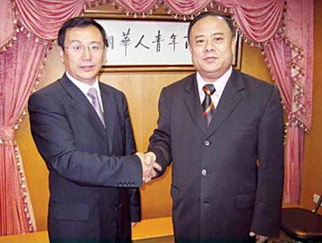 黑龙江省商务代表团访问青年商会李桂雄会长与赵文华副厅长一行亲切交谈磋商加强合作