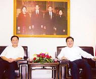 高振廷参赞视察泰国中国商会对商会会务工作给予充份肯定苏锦选主席及庄汉升庄稼等热情欢迎使馆长官莅临指导