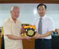 华南师范大学戴相斌主任访问泰国华文教师公会