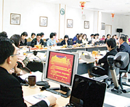 泰国川登喜皇家大学素攀孔子学院举办2010年新年汉语教师座谈会
