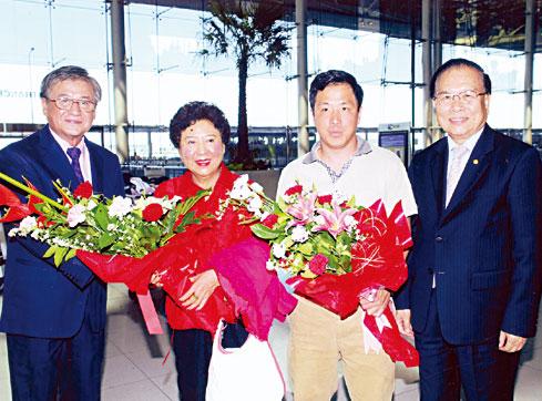 孙穗芳博士抵泰进行参访演讲陈绍扬张俊彬饶培中等前往机场欢迎