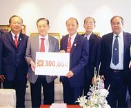 侨领郑有英热心支持教育事业赞助三十万铢支持素可泰府光中学校扩建