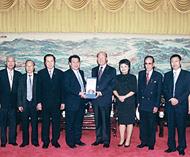 香港潮声卫视董事局访问潮馆陈汉士主席热情欢迎詹玉湘主席一行